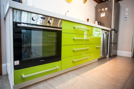 green kitchen cabinets pictures spray finishers of joinery and furniture 4002